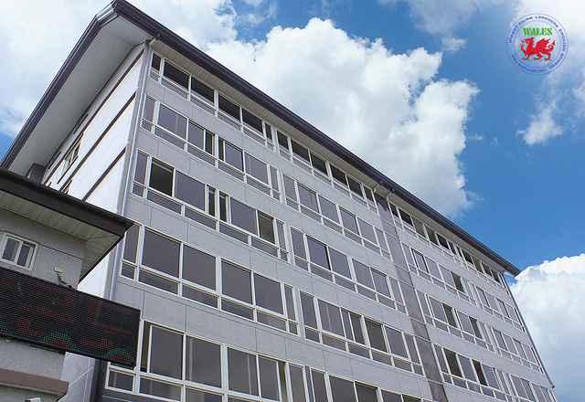 hình ảnh tòa nhà trường anh ngữ wales