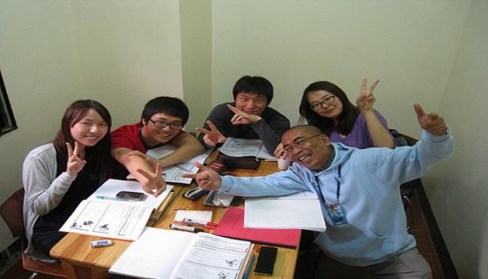 du học sinh theo học chương trình ESL
