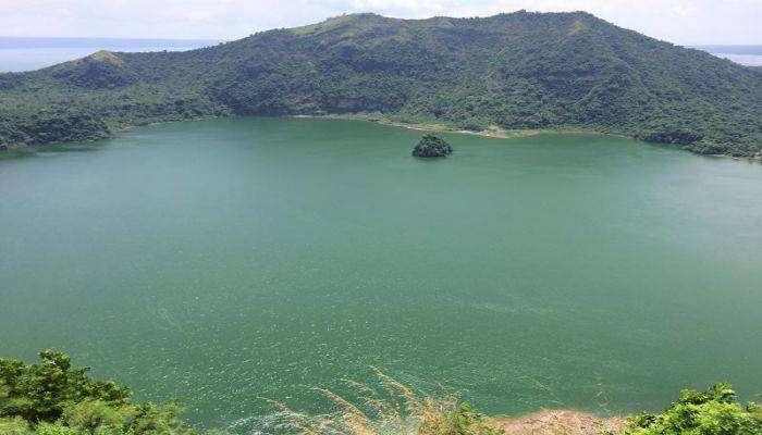 du lịch đền hồ núi lửa Taal vào mùa du lịch ở Philippines