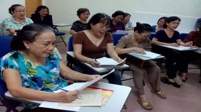 học tiếng Anh cho người lớn tuổi ở đâu uy tín