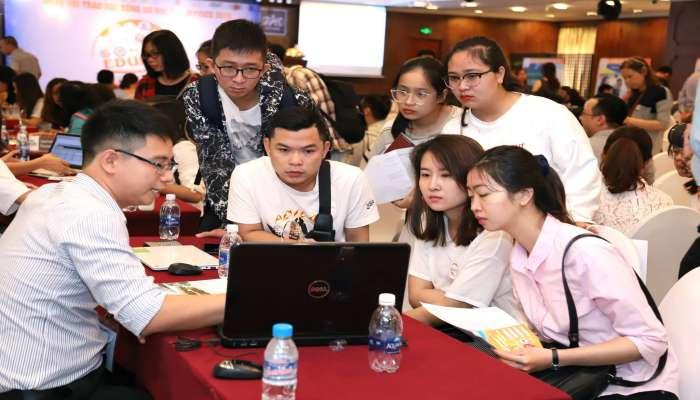 quầy tư vấn trường CELLA tại hội thảo du học Philippines