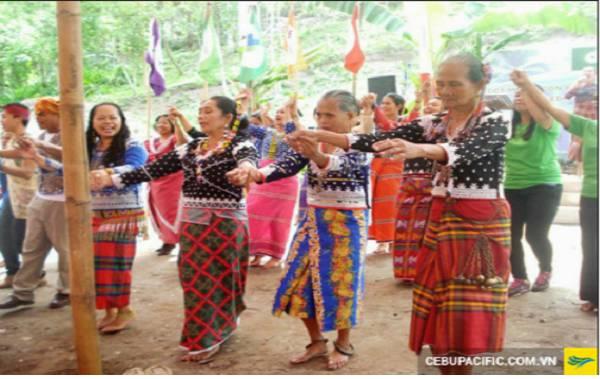 trang phục truyền thống Philippines người B laan