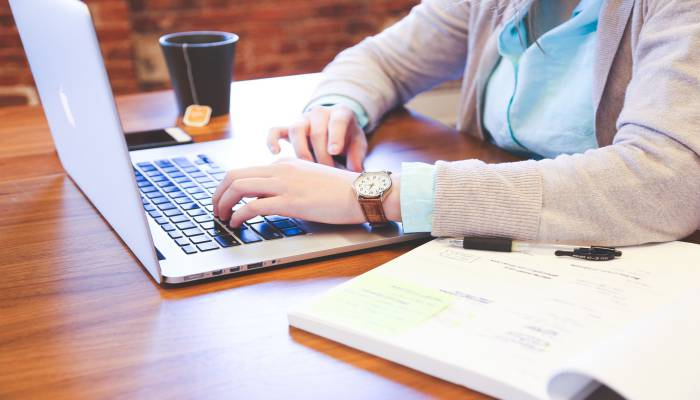 tự làm hồ sơ du học Philippines hay qua công ty tư vấn