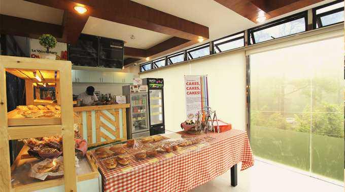 quán cafe tại Main Campus của Pines