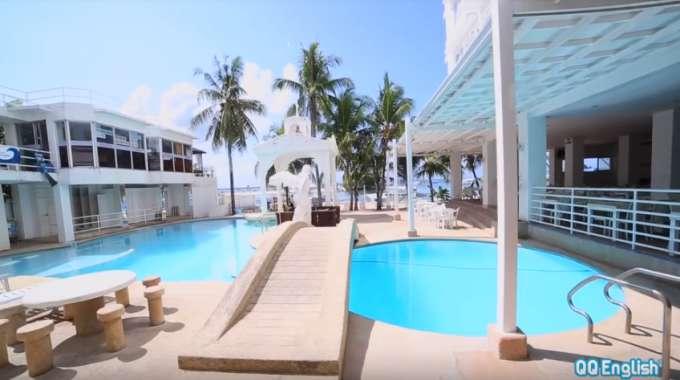 QQ Seafront nằm trong TOP những trường có bể bơi đẹp ở Cebu
