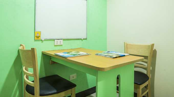 phòng học 1:1 tại Main Campus của Pines