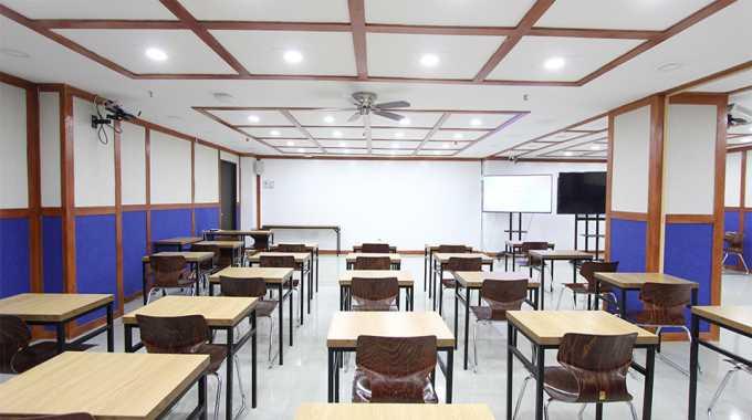 phòng thi IELTS tại Main Campus của Pines