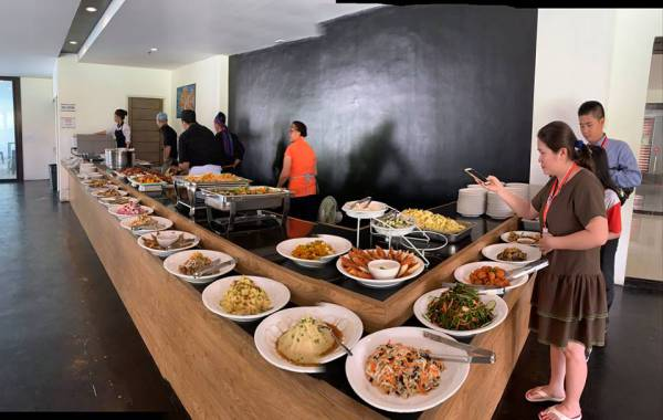 bao-cao-tham-quan-truong-ev-an-buffet
