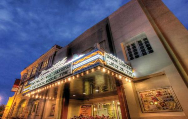 du-lich-clark-philippines-kelly-theater
