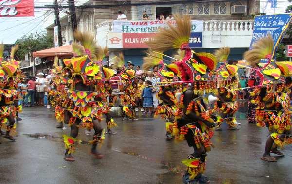du-lich-kalibo-philippines-le-hoi