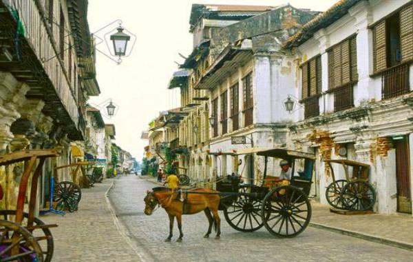 du-lich-vigan-philippines-phuong-tien