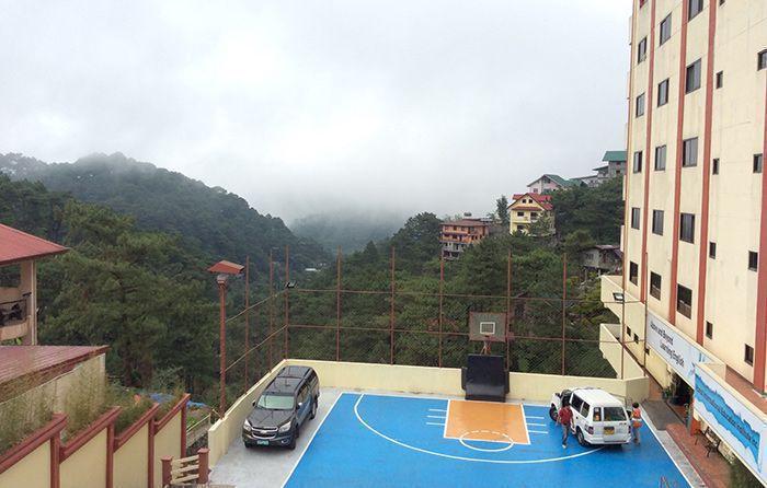 khuon-vien-truong-monol-baguio