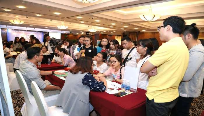 quầy tư vấn tại hội thảo du học Philippines 2018