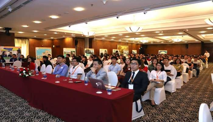 khách mời đến tham gia hội thảo du học Philippines