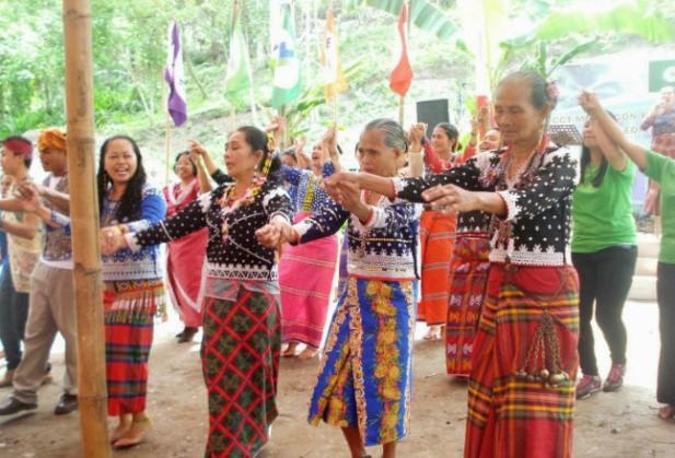 trang phục truyền thống philippines balan