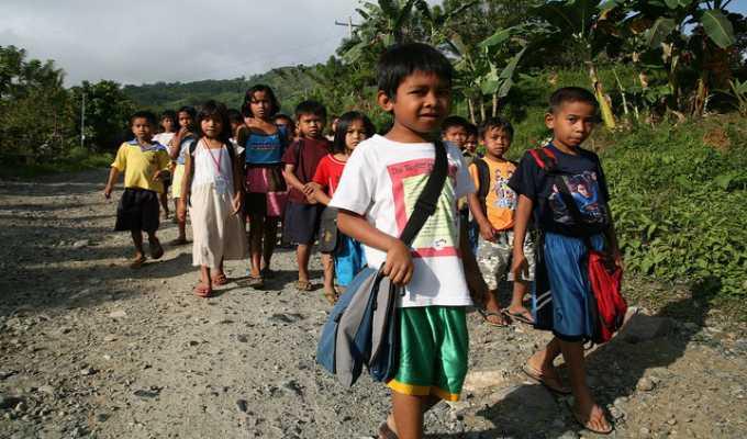Tại Philippines ngôn ngữ chính thức Filipino hay tiếng Anh