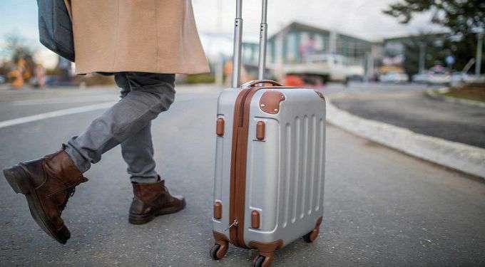 cách xếp đồ vào vali đi du học gọn nhất